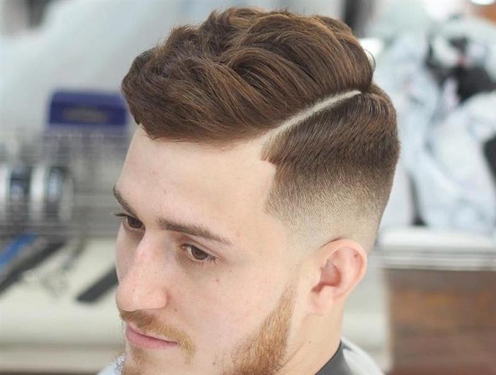 cabelo masculino com topete pequeno