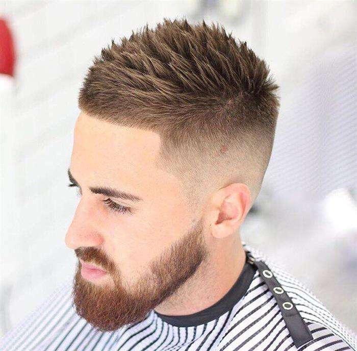 cabelo masculino curto liso