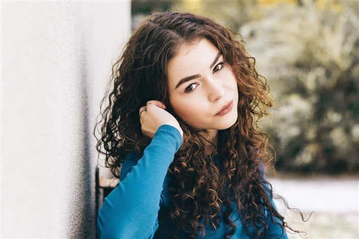 cabelo feminino arredondado