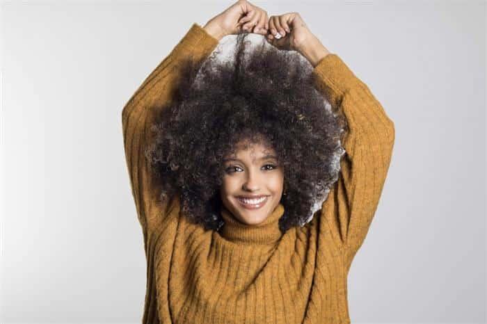 cabelo feminino crespo medio