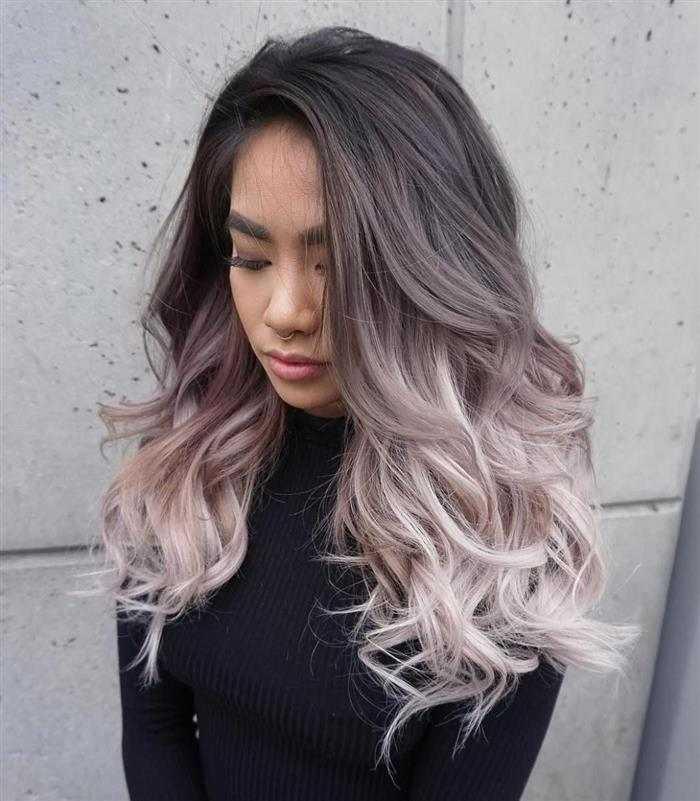 cabelos platinados com mechas