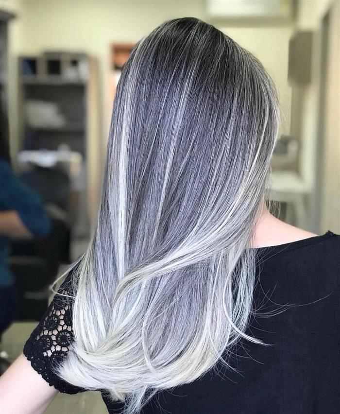 cabelos platinados com luzes