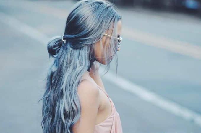 cabelo longo azul