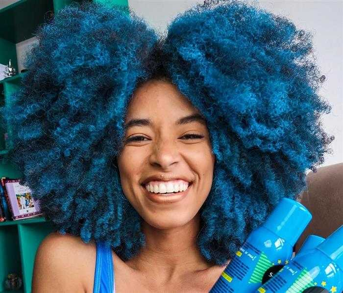 cabelo azul feminino
