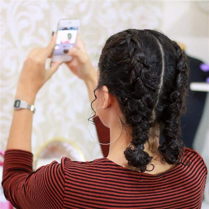 Penteados com tranças para cabelos cacheados