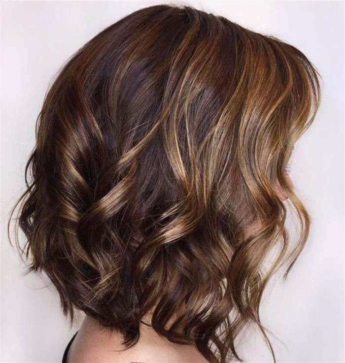 cabelo no ombro com luzes