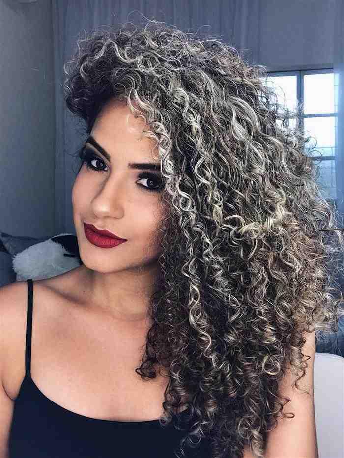 fotos de cabelos com luzes 2020