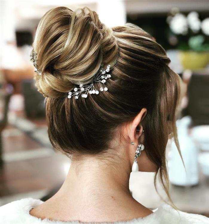 Penteados para Madrinha de Casamento cabelo liso