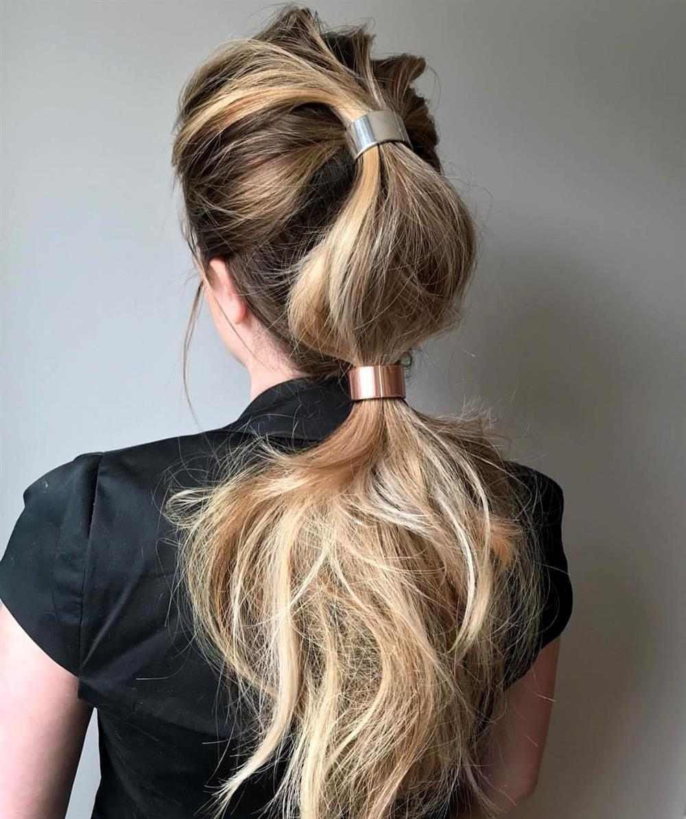 penteado com acessórios