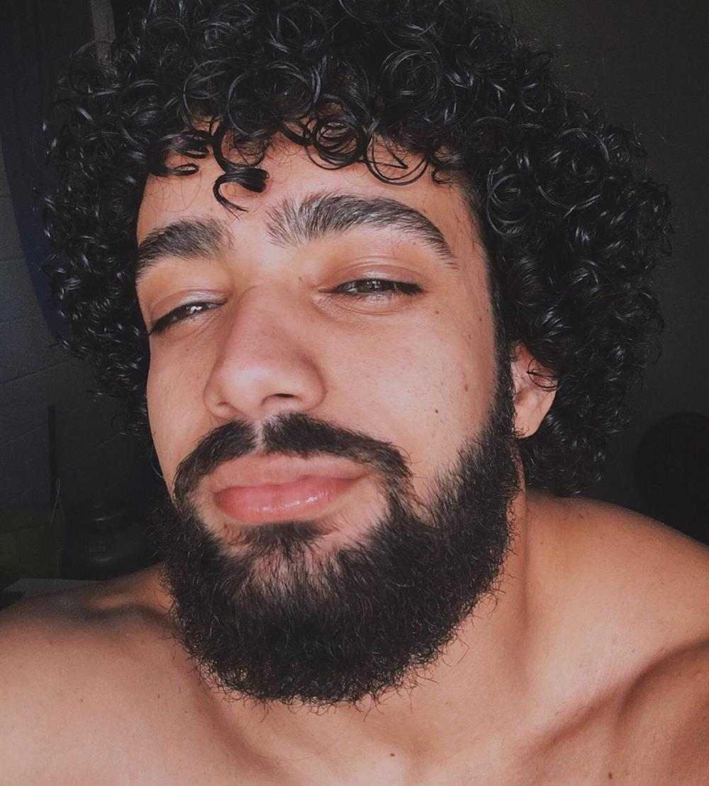 cabelo cacheado com franja 2021 masculino