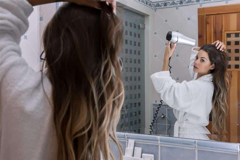 hidratação com soro fisiológico cabelo cacheado