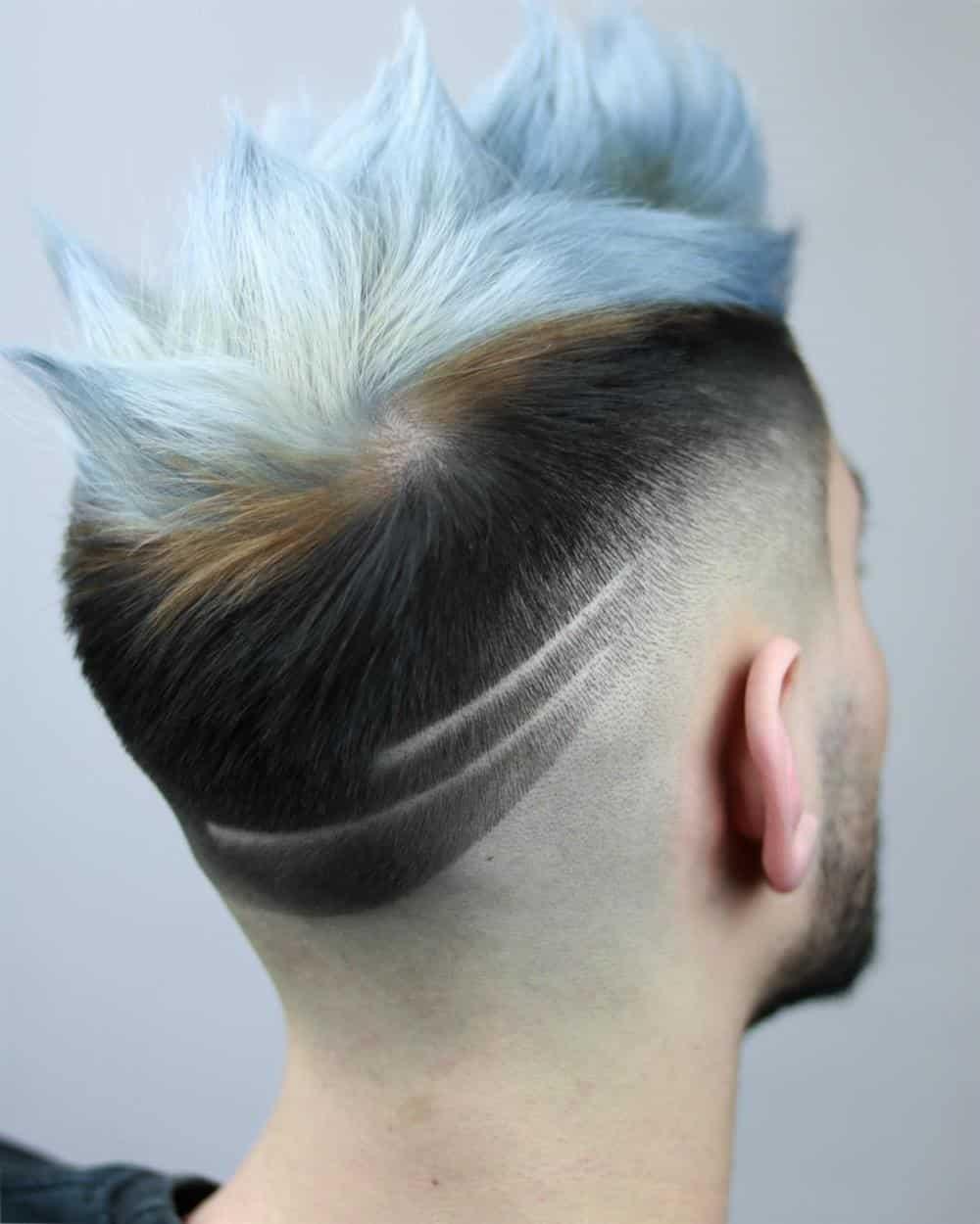 cabelo curto com riscos