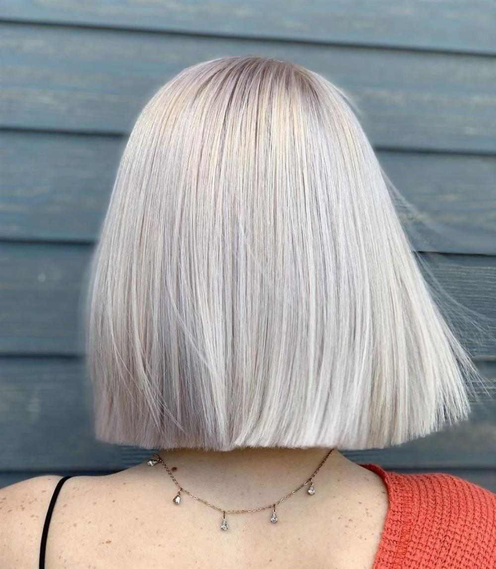corte de cabelo feminino reto