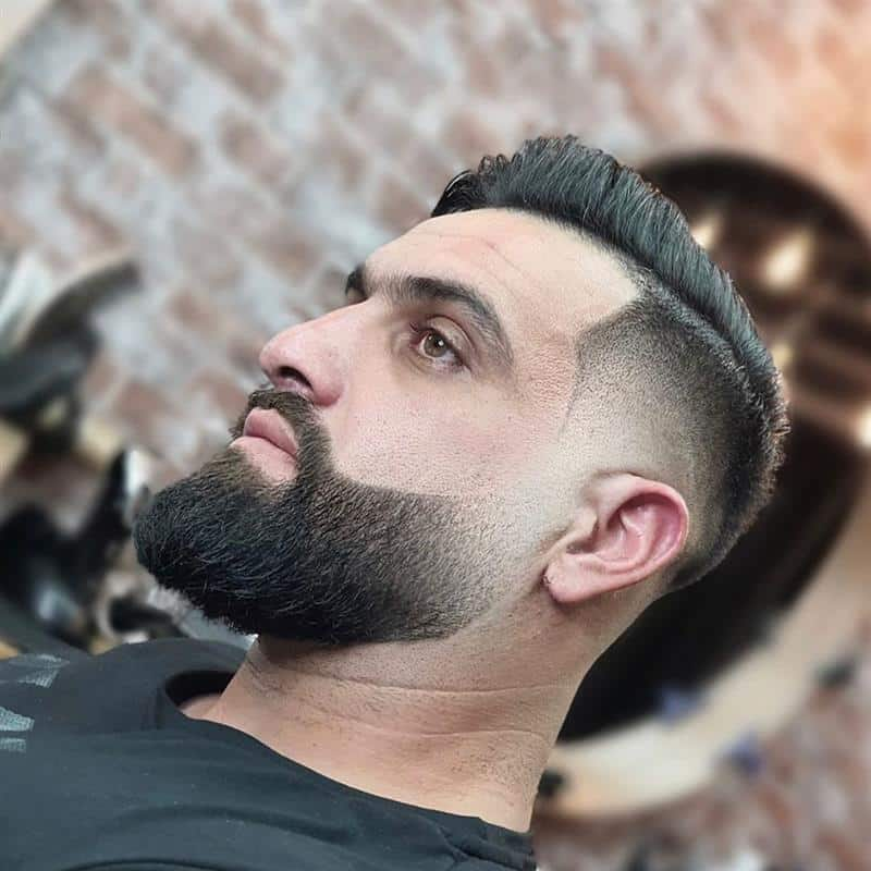 corte de cabelo masculino na navalha