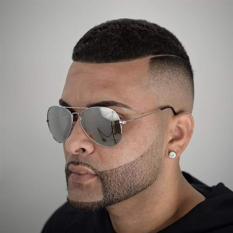 corte de cabelo masculino crespo com risco