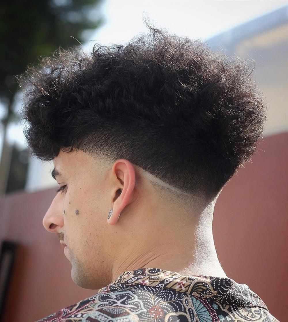 cabelo com listra em v