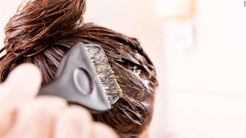 como dar banho de brilho no cabelo com tinta