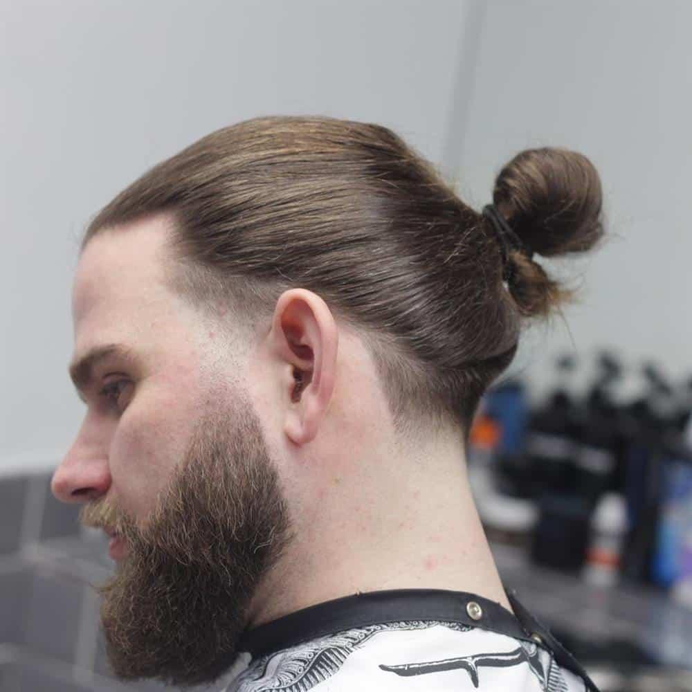 coque em cabelo masculino