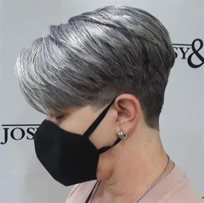 corte de cabelo curto branco