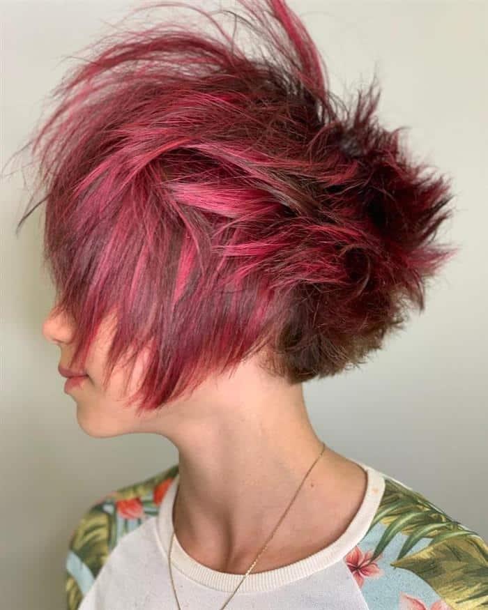 corte de cabelo curto e moderno