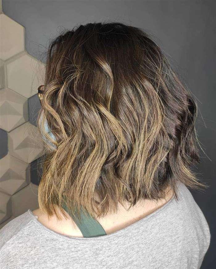 corte de cabelo curto e repicado