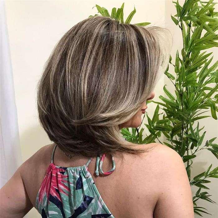 corte de cabelo curto grosso e volumoso