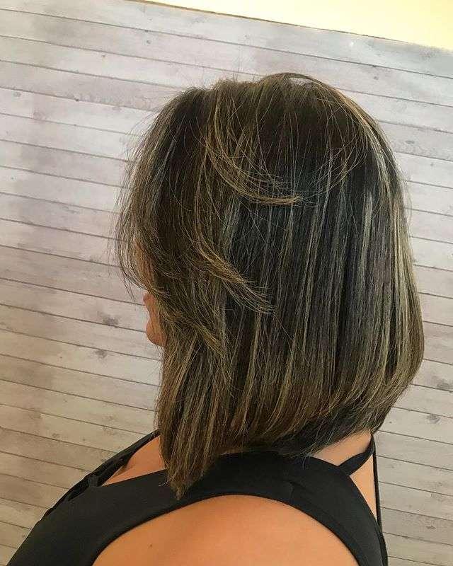 corte de cabelo curto inteiro