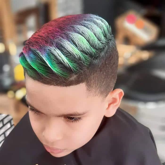 corte de cabelo infantil masculino topete