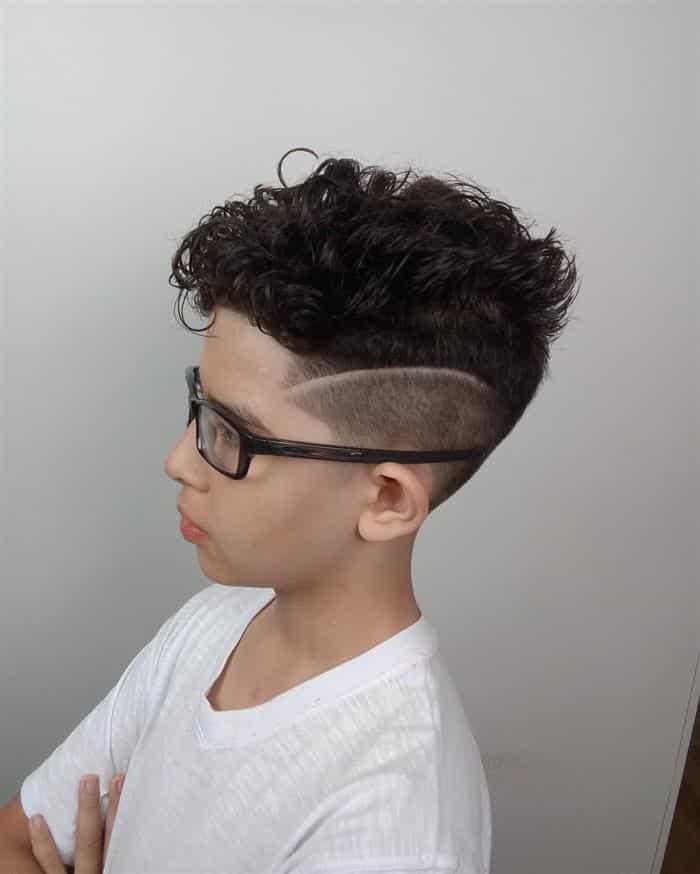 corte de cabelo masculino degrade com risco infantil