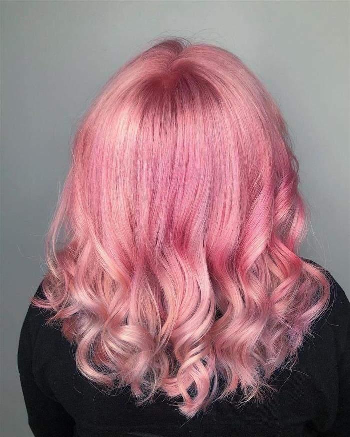 cabelo rosa curto