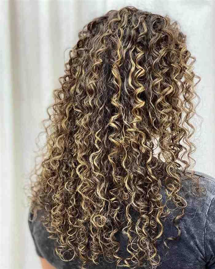 cabelos compridos com luzes