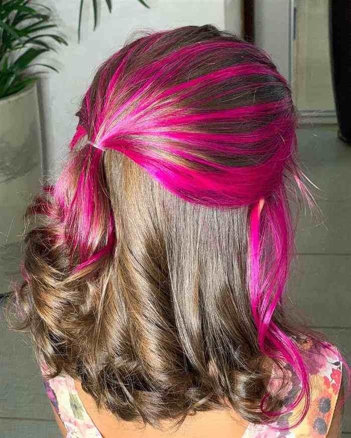 cabelo com mecha na frente