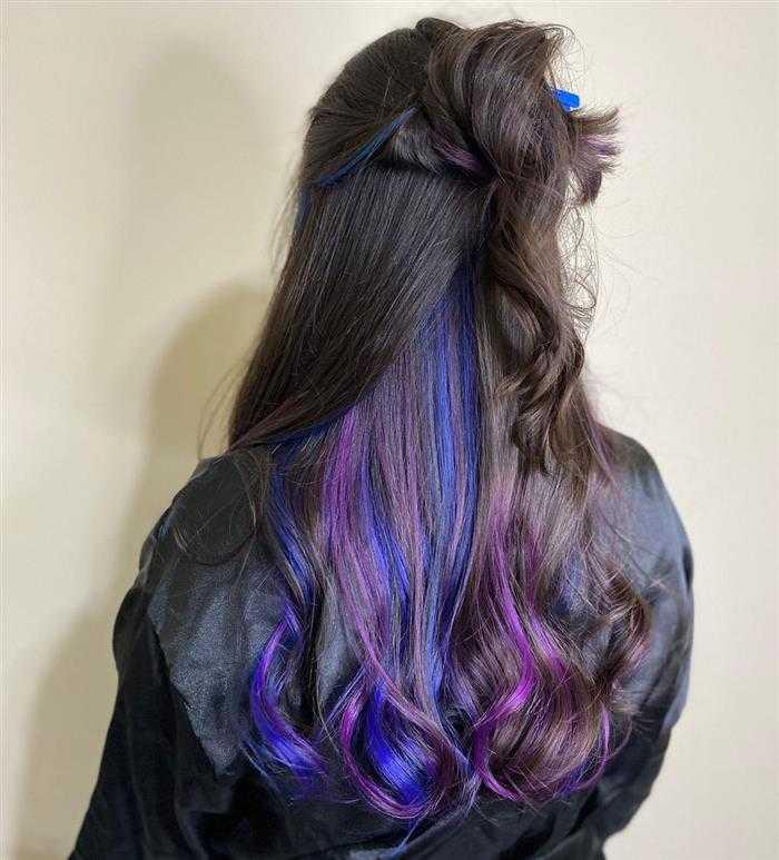 cabelo com mechas embaixo