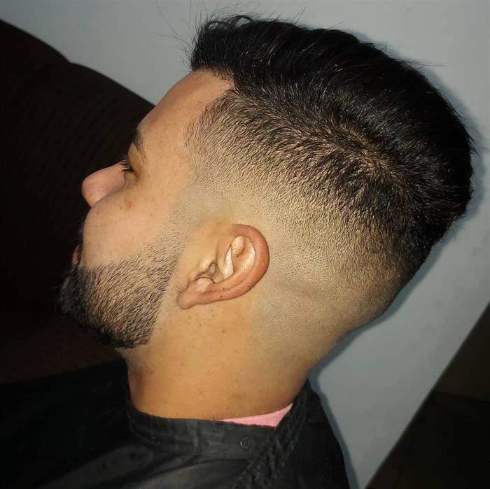 corte de cabelo masculino militar com barba