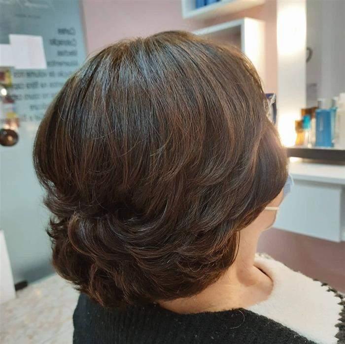 corte de cabelo em camadas acima do ombro