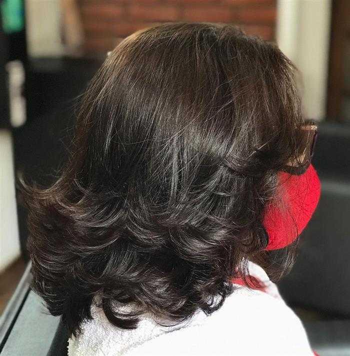 corte em camadas de cabelo feminino