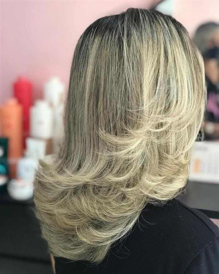 corte em camadas de cabelo