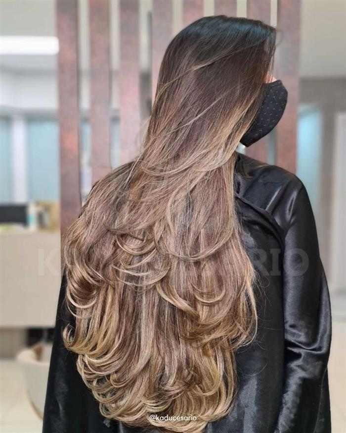 corte em camadas em cabelo longo