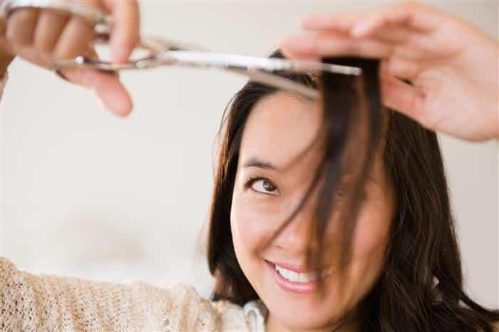 como cortar o cabelo sozinha em camadas